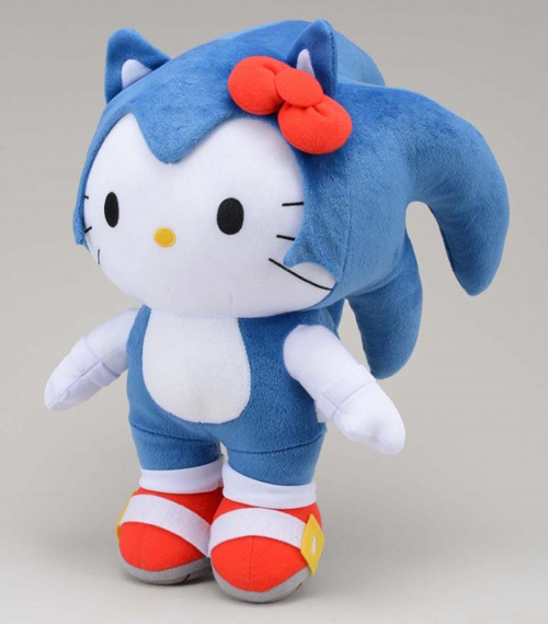 Peluche-hello-kitty-sonic-700x1049